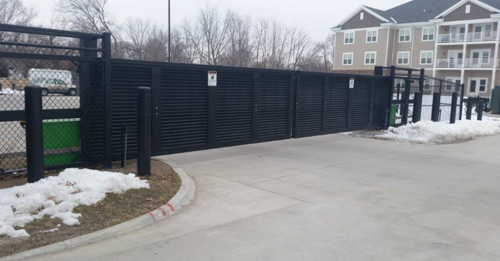 PalmSHIELD Louvers. Architectural mechanical equipment screen