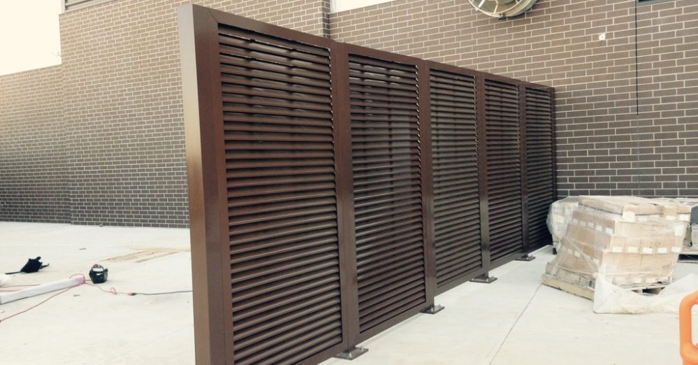 Louvered mechanical equipement screening. Screen wall louvered wall.