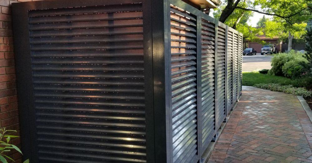 Horizontal louver aluminum equipment enclosure